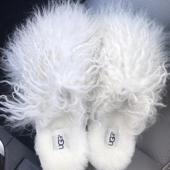 c38577d12c9 NWOB Ugg White Fluff Momma Mongolian Slipper NWT